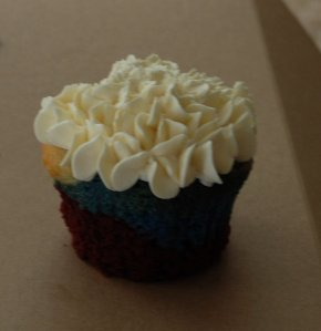 American Cupcake: A bit blurry, but colors are visible.