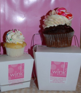 Wink Cupcakes: Click to enlarge